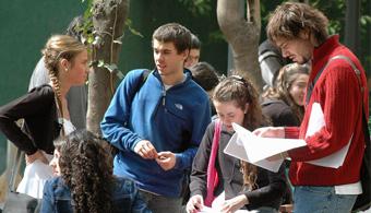 Estudiantes argentinos fueron destacados en Ecuador por la creación de luminarias ecológicas